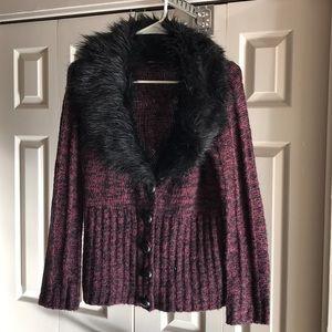 Faux fur collar BCBG maroon & black button sweater